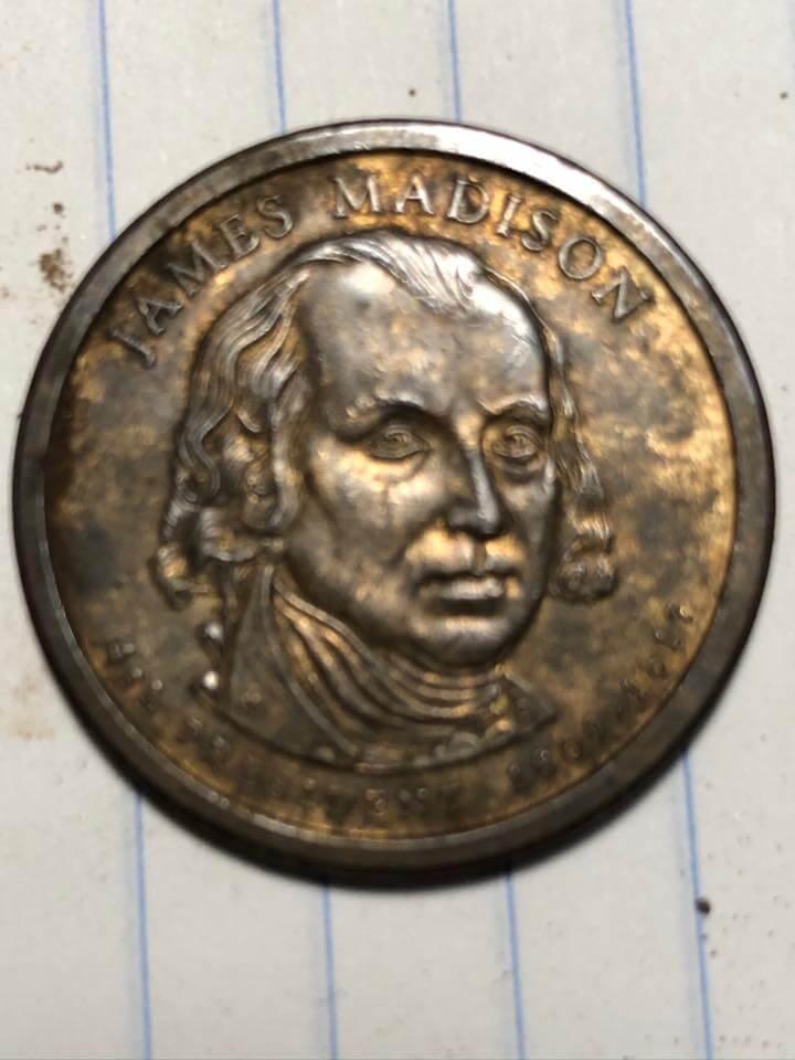 Encontrei algumas guloseimas de dois dólares presidenciais