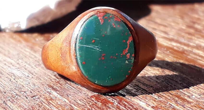 Кольцо с кровавым камнем, использующее PulseDive